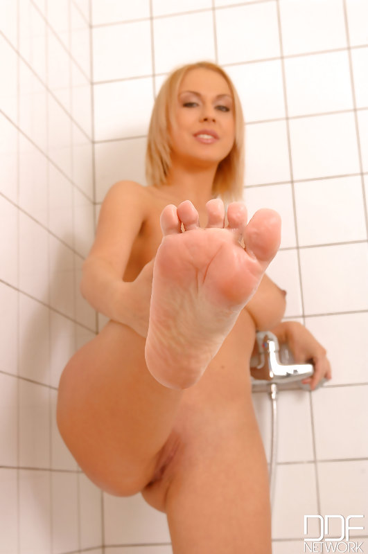 Mandy dee and zafira feet fetish