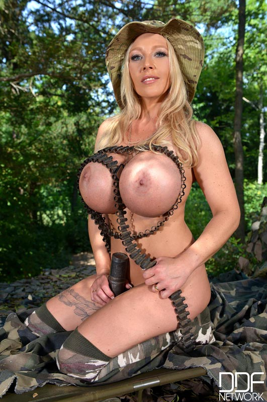 huge tits swinger