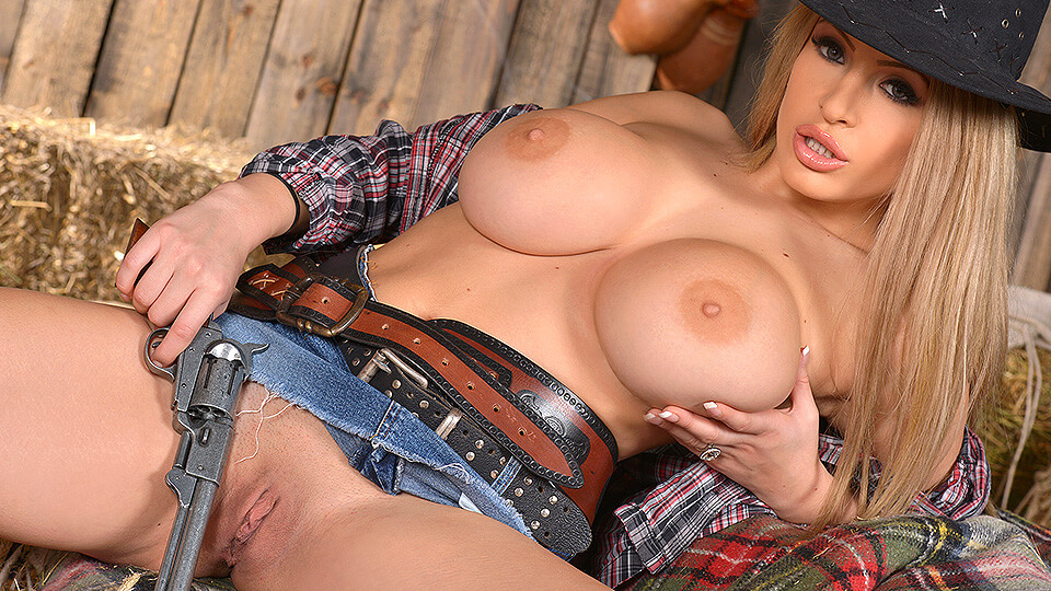 Solo Rodeo: Big Tittied Teases' Roll in the Hay_main