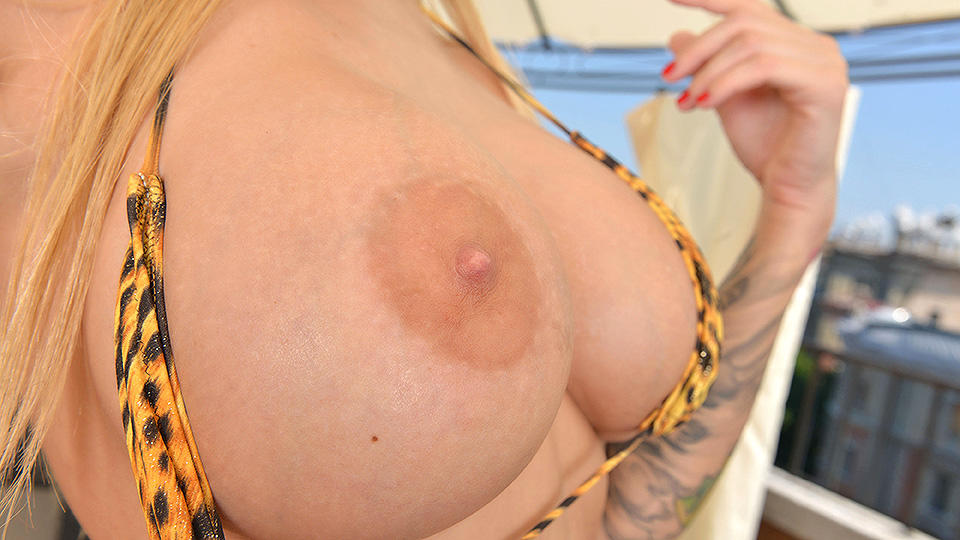 Shiny Big Tits - Blonde Glamour