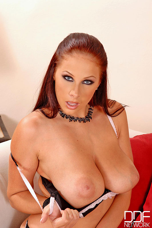 Gianna Michaels Solo Naked