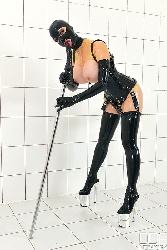latex lucy domina reutlingen